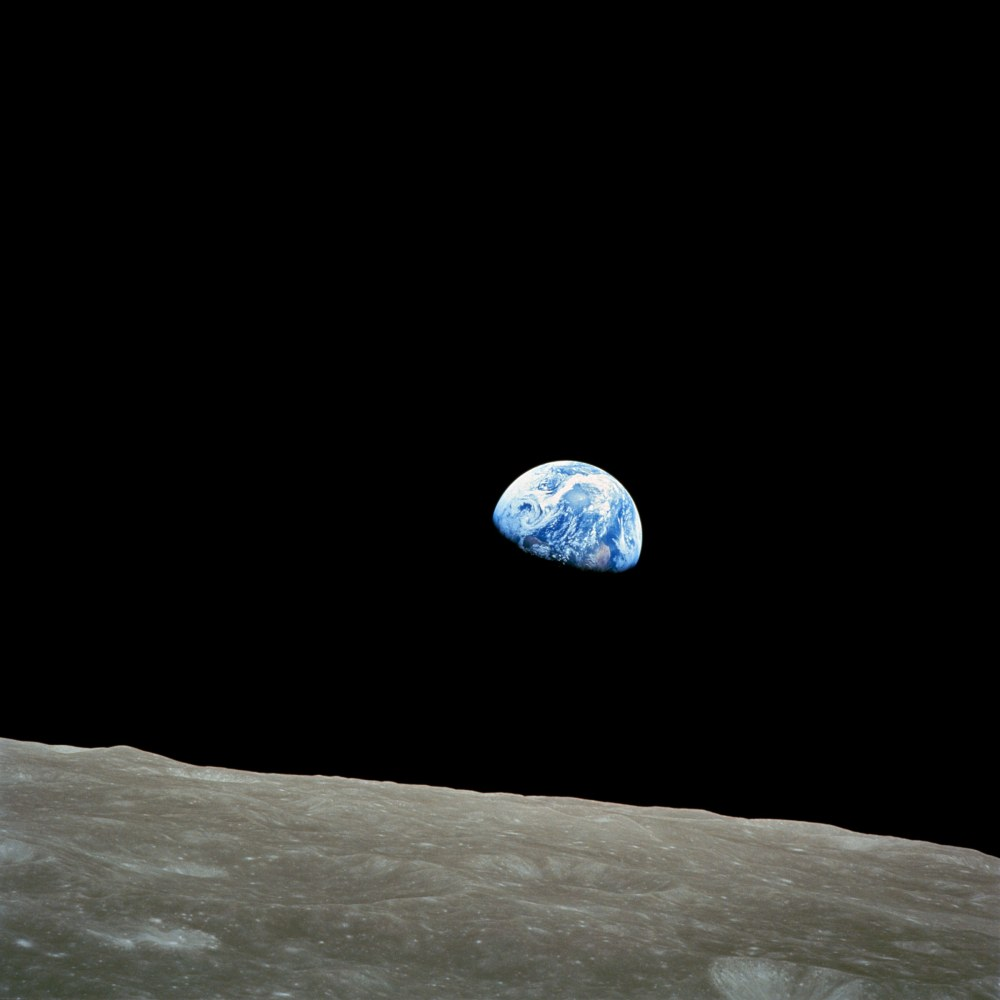 NASA-Apollo8-Dec24-Earthrise  Taken by Apollo 8 crewmember Bill Anders on.jpg