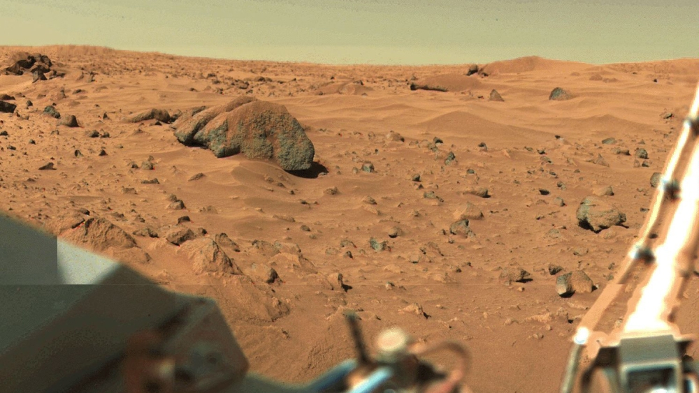 Viking1_1280 first picture taken on mars.jpg